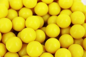 Valken Fate Paintballs – 50cal – 2,000ct – Yellow/Yellow-White Fill